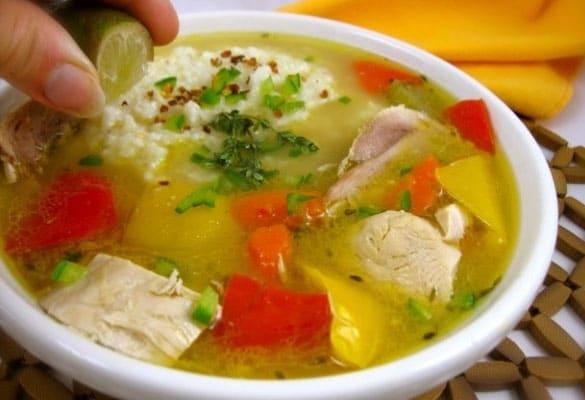 Sopa de pollo de Bahamas