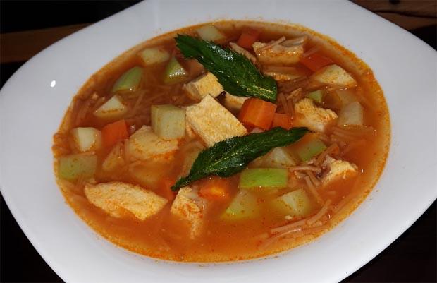 Sopa de pechuga tucumana