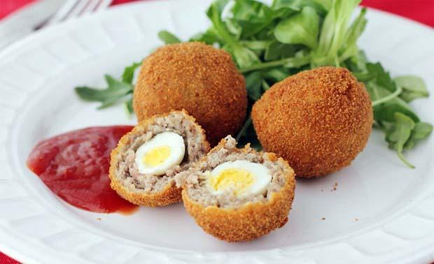 Huevos de Codorniz a la Escocesa