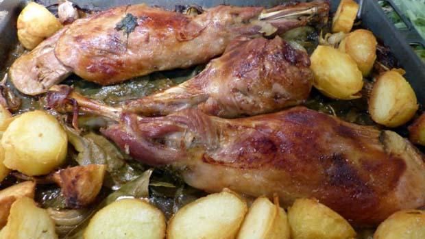 Carne de cabrito al horno